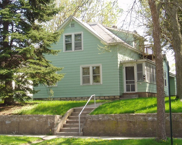 1028 Liberty St. La Crosse - Upper