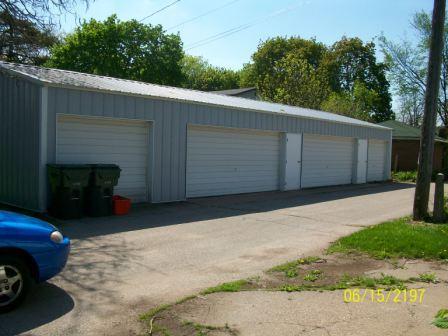 303 S Wacouta Storage Garages Prairie du Chien