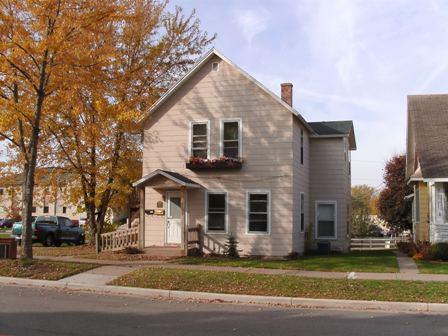 235 1/2 N Beaumont St Prairie du Chien